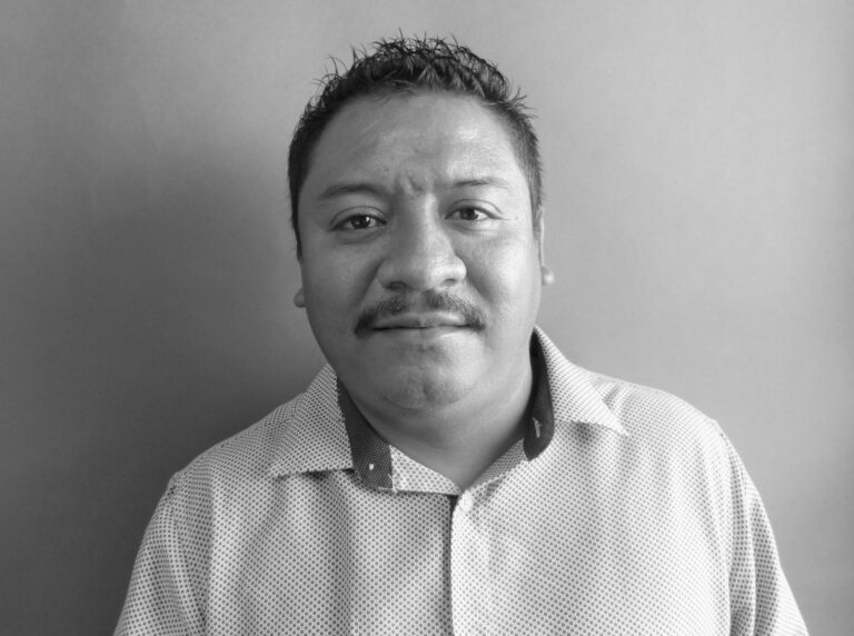 Reynaldo M Cazares